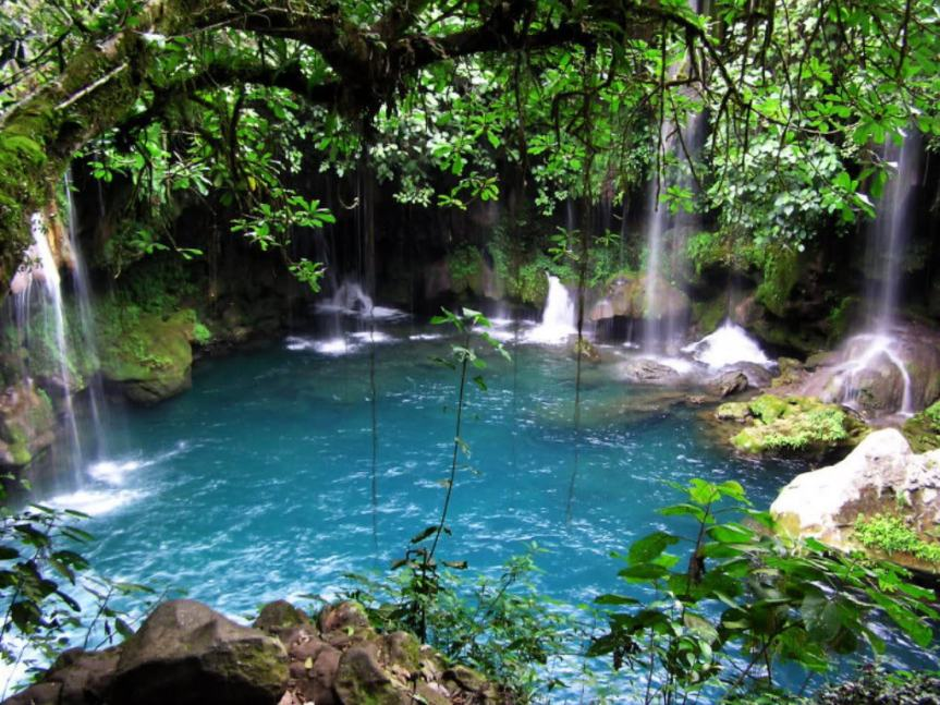 Only 63 Million Buzzfeed Viewers Know About This Secret Lagoon in Costa Rica!